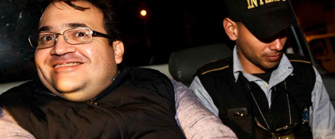¿De qué se ríe Javier Duarte?
